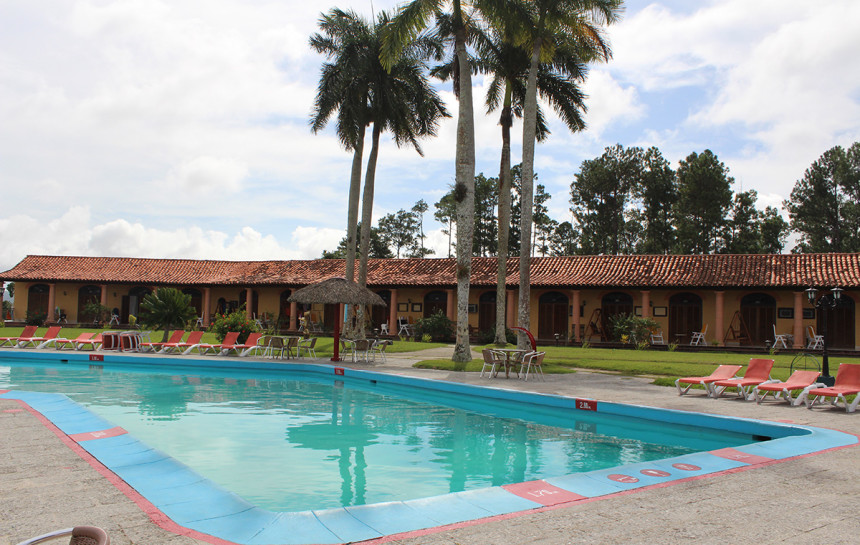 Hotels In Ermita With Swimming Pool